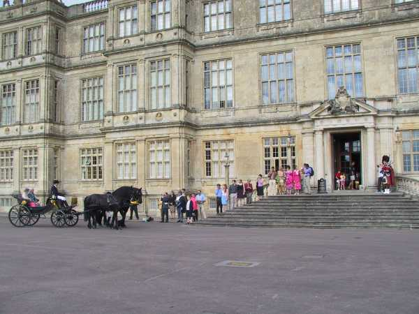 Pony and Trap arrives at Longleat House, photo