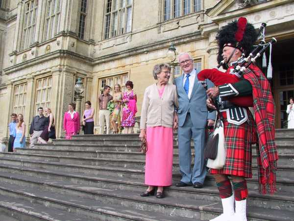 Piper greets Mum and Dad on steps of Longleat House, photo